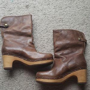 Ugg Lynnea Chestnut Brown Fur lined Clog Boot